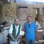 O pintor con Xaquín Agulla no seu estudo de Armenteira